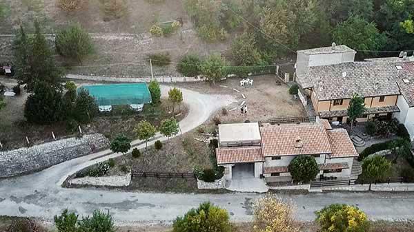 La casa più vicina al monte Catria