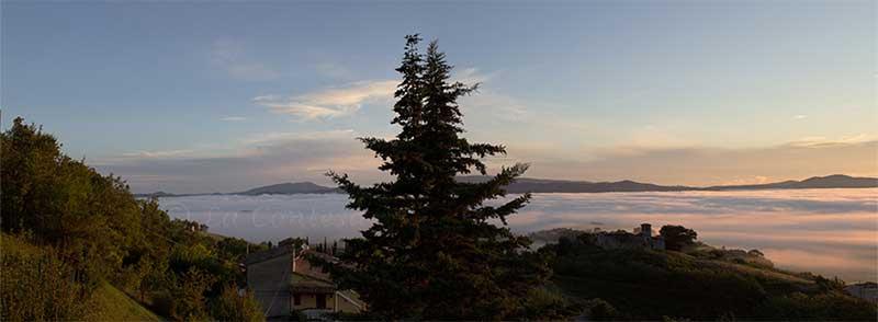 Nebbia sulle valli verso il Furlo